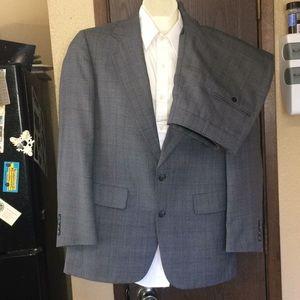 Hart Schaffner Marx Heritage 2 Piece Suit